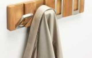 Вешалка для одежды из сантехнических труб