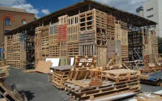 Дача из деревянных поддонов: фото и видео строительства