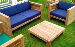 Мебель в саду из брусков и досок
